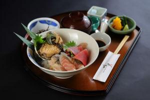 鮑地魚海鮮丼